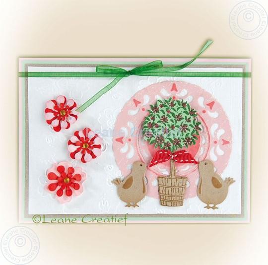Image sur Young birds & pot plant